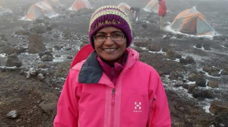 aparna-kumar-becomes-indias-first-ips-officer-to-climb-mount-everest