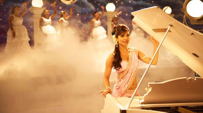 Priyanka Chopra Royally Slayed The Billboard Music Awards 2016 & Broke All Records Of Hotness!