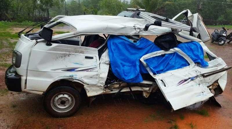 8 Schoolkids Died In Karnataka After Their Van Rammed Into A Bus