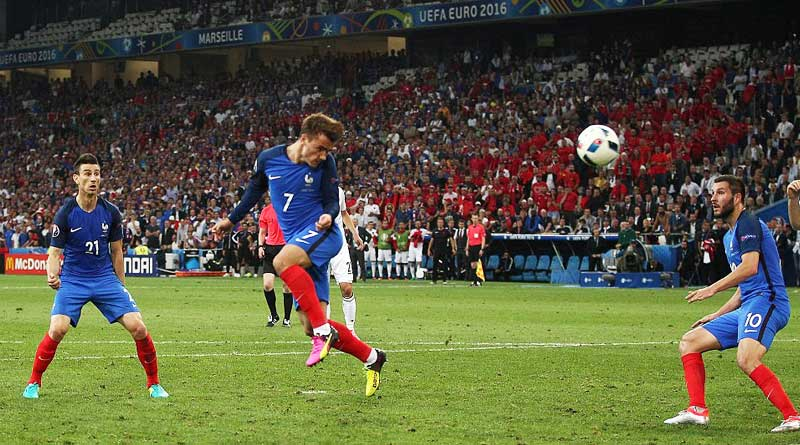 Griezmann and Dimitri Payet snatch late victory against albania