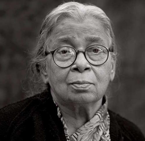 mahashweta devi Mahasweta devi's wiki: mahasweta devi (14 january 1926 - 28 july 2016)[7][8] was an indian bengali fiction writer and social activist her notable literary works include hajar churashir maa, rudali, and aranyer adhikar[10] she worked for the rights and empowerment of the triba.