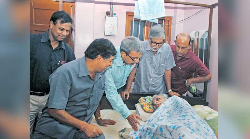 India's first full time coach Amal Dutta has died in Kolkata
