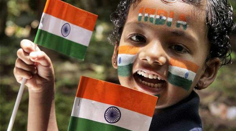 Kerala-bans-national-flags-made-of-plastic