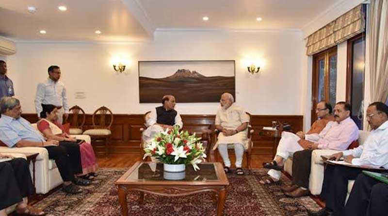 pm-modi-holds-meet-on-kashmir-crisis