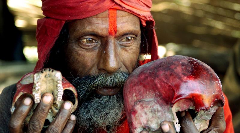 Tantrik Attempts To Sacrifice Chil's Finger To Goddess Kali