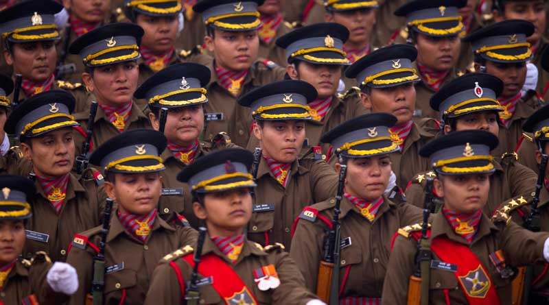 Manohar Parrikar Gives Thumbs Up To The Idea Of An All-Women Battalion In Indian Army