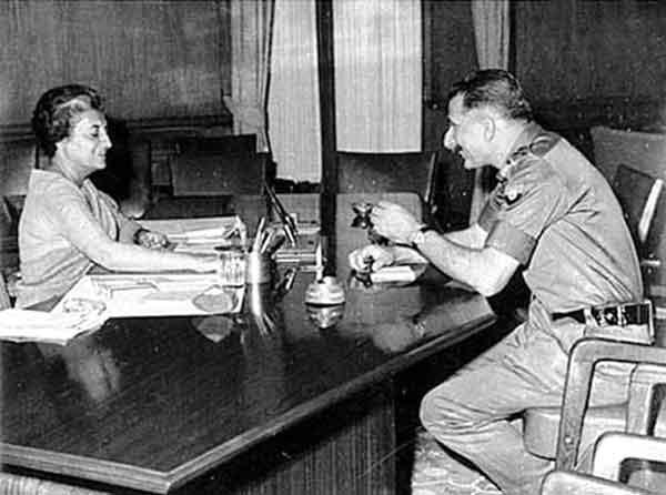 1971_Manekshaw_Indira_Gandhi_2