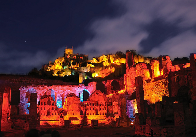 Night-View-of-Golconda-Fort