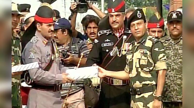Pakistan rangers exchange sweets Pakistan violates ceasefire in Poonch