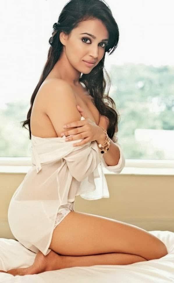 b15dc-swara-bhaskar-super-hot-photoshoot-for-maxim-india-oct-2013-magazine_4