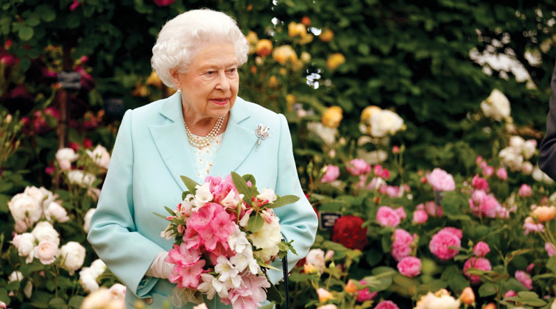 Queen Elizabeth II Seeks Gardener For Buckingham Palace, Offers Over Rs 14 Lakhs PA