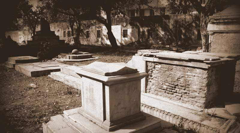 Lothian Cemetery, is a haunted place of Delhi