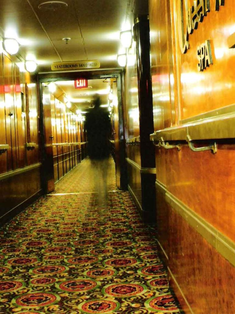 queen_mary_ghost_photo