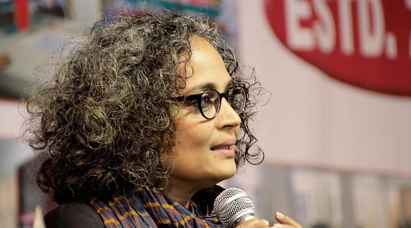 Pakistan assembly to invite Arundhati Roy to talk on Kashmir