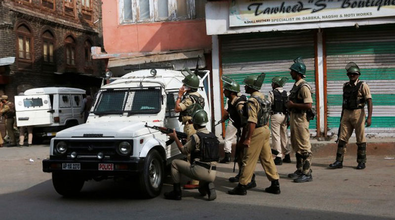 Cop killed in encounter in Jammu and Kashmir
