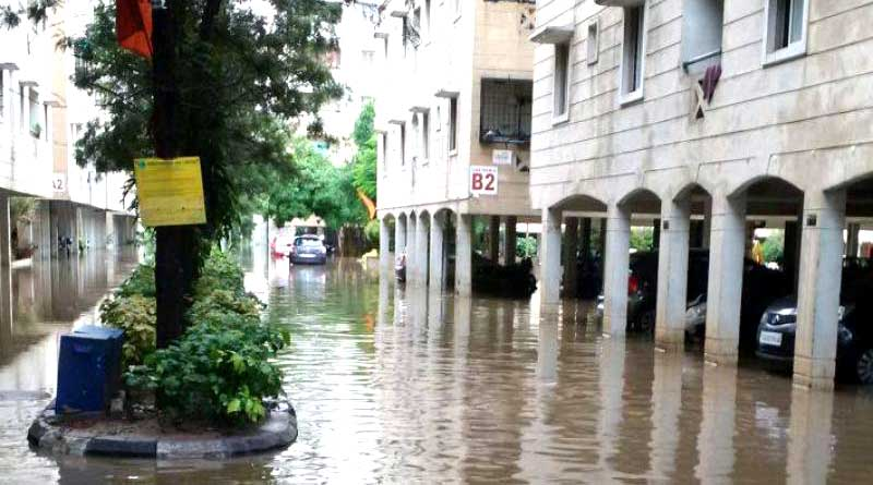 Heavy rainfall in Hyderabad leads to flooding, alert issued