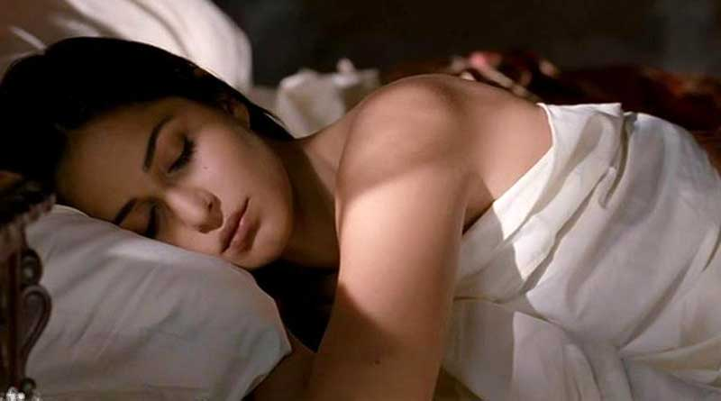Katrina Kaif is sleeping, Video Viral in Internet