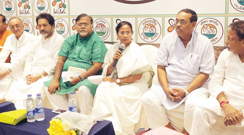 Mamata Banerjee won't tolerate any obstacle between state's development