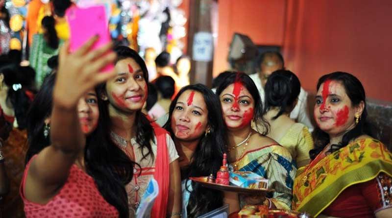 No more Selfies with Maa Durga, says Kolkata Police