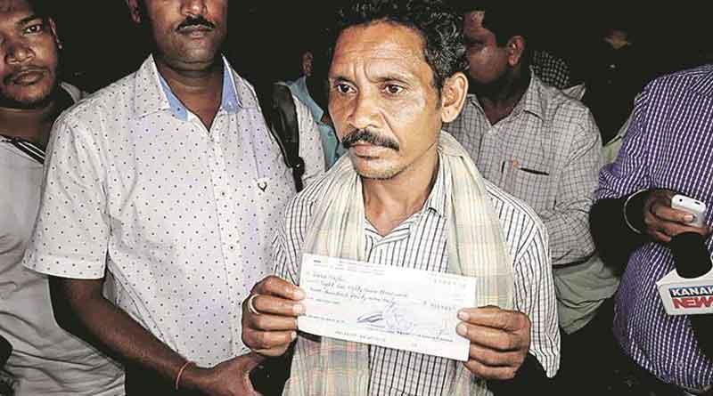 Odisha tribal Dana Majhi who carried wife's body gets Rs 9 lakh from BahrainPM