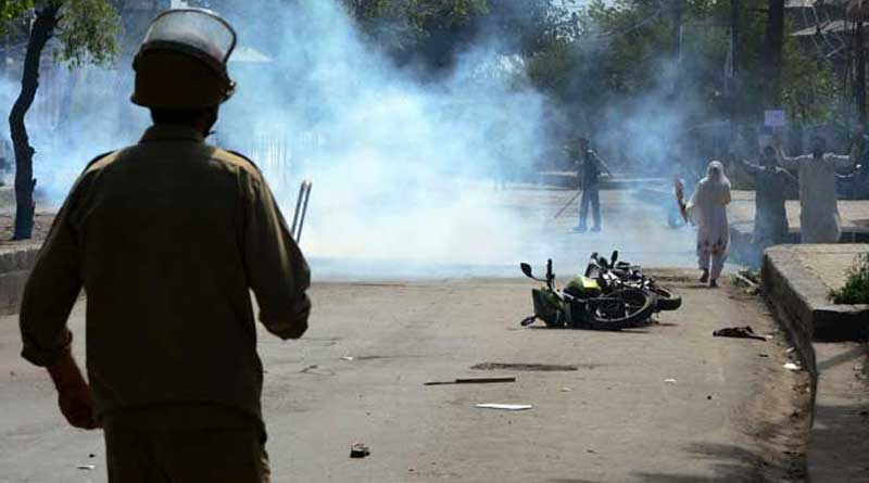 Army took up positions in 4 districts of Kashmir