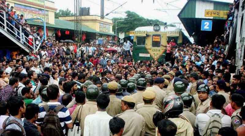 Rail Strike at Khardaha Station, creates mess during office time