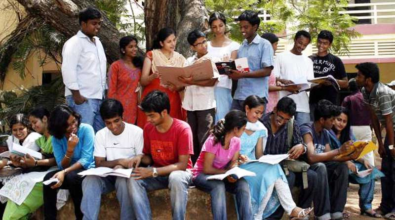 Aadhar Card Now Mandatory For Central Government Scholarship Schemes