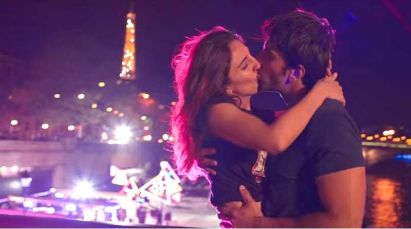 Ranveer, Vaani's 'no strings attached' romance in Befikre trailer