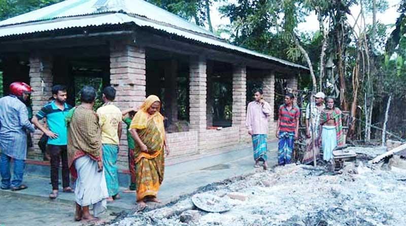 Fire at bangladesh baul akhra