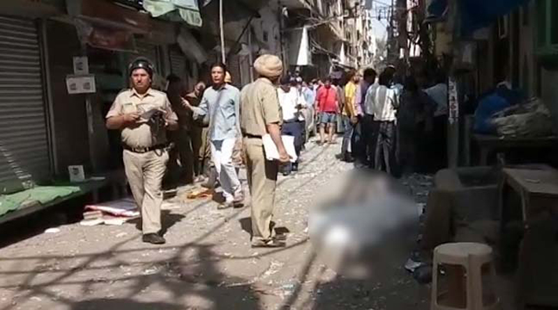 1 dead in an explosion in Delhi's Naya Bazar