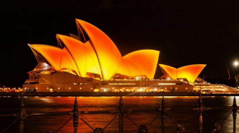 Sydney Opera House turned Golden in Diwali