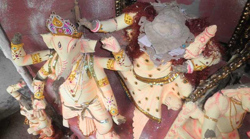 idols vandalised and death threat to hasina