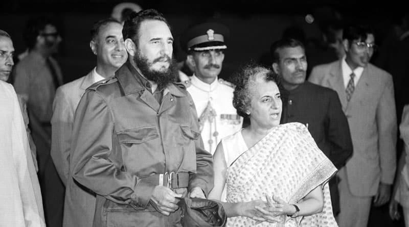 Fidel Castro Surprised Indira Gandhi With A 'Bear-Hug' During His India Visit