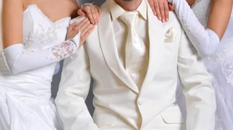 Groom's mistress land up at wedding in bridal gown