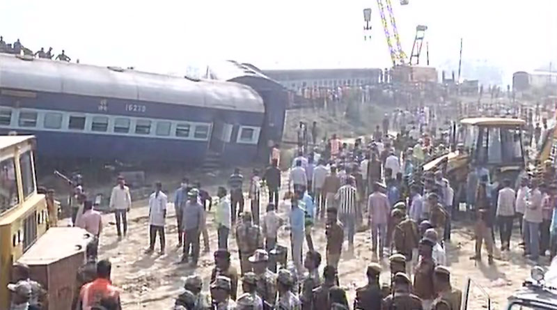 Crack in line may be the reason behind Kanpur rail Tradegy, say Police
