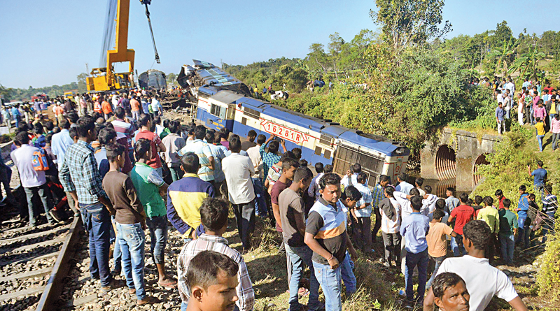 Shamuktala train accident: Driver and guard suspended