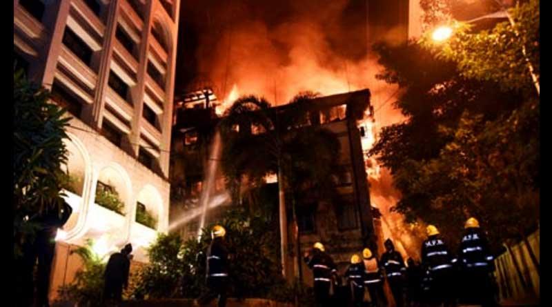 Fire guts building near Bombay Stock Exchange