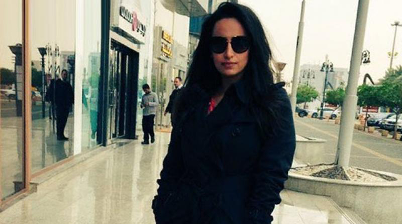 Saudi police arrest woman for posting picture without veil on Twitter
