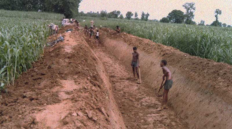 Bhangar farmers protest land acquisition for power grid