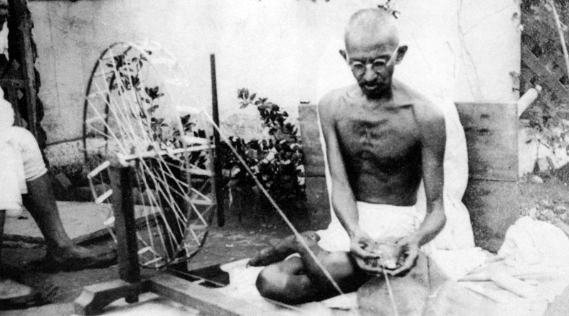 Govt's new clenliness drive, keep mahatma away from filthy places