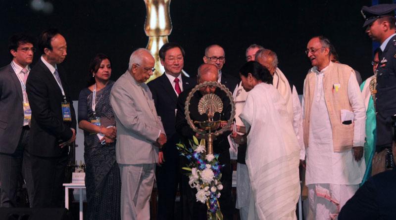 Prez Pranab Praises Investment friendly atmosphere in Bengal, Urges entrepreneurs to invest