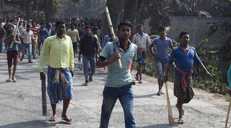 chaos in Bhangar's Panchayat office, car of Haqumuk Islam vandalised | Sangbad Pratidin