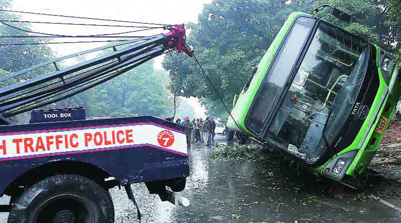 Truck-Bus collision in Howrah kills 4
