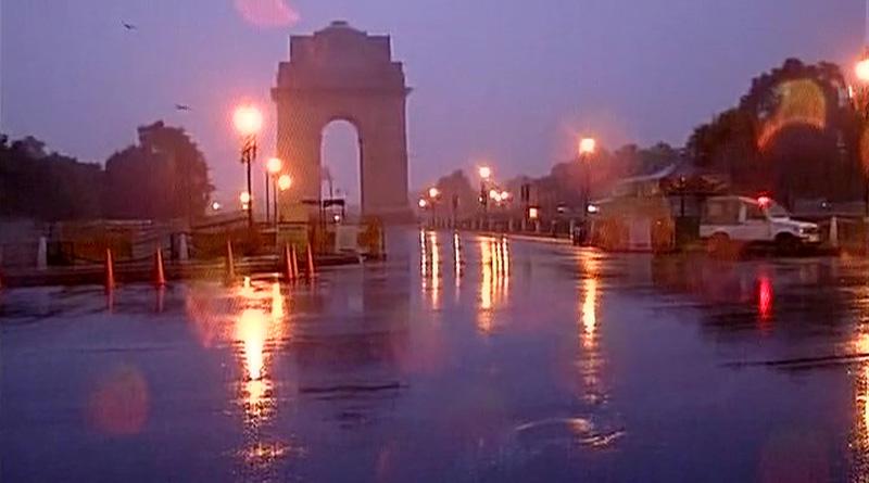 Rain disrupt flight and train in Delhi, tourists stranded in Manali due to heavy snowfall