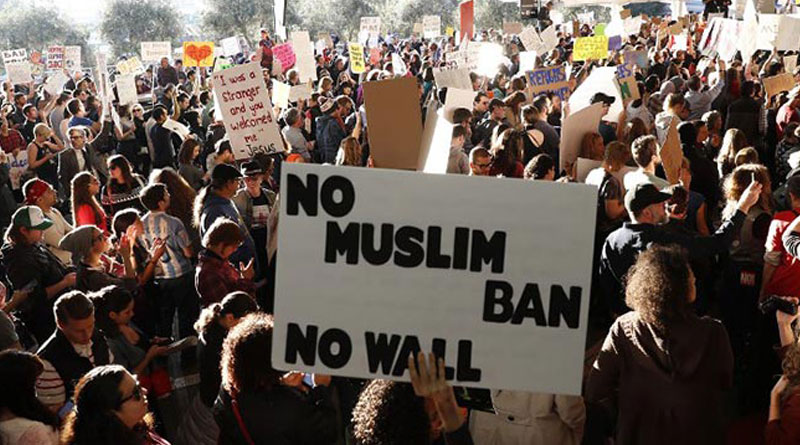 Federal court stays Donald Trump's immigration ban