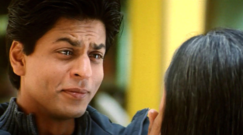 With teary eyes SRK mourns Fan's death