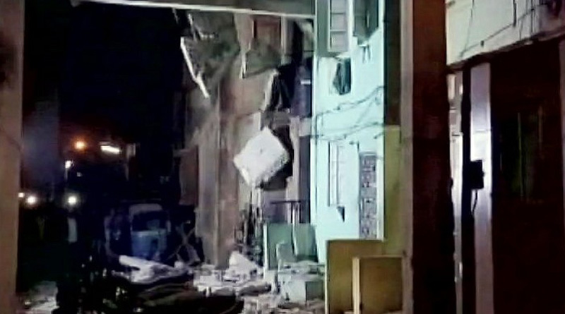 A building collapsed in surat at sunday night