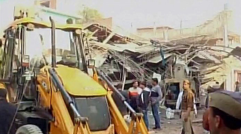 Building collapse in Kanpur, army roped in for rescue ops