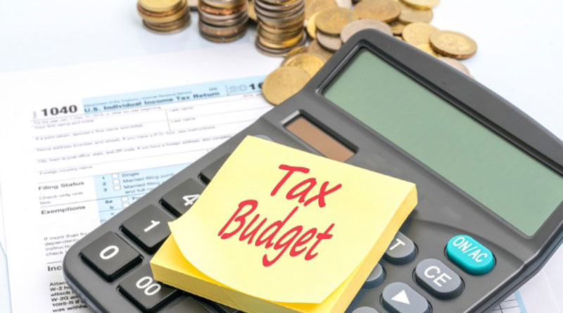 Budget eases demonetisation pain,  Tax rate slashed by 5% for the income group 2.5-5 lakh