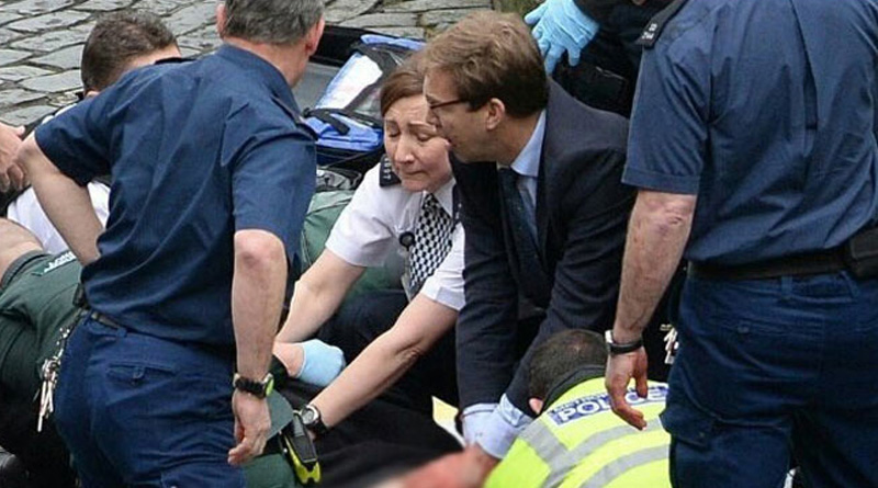 Heart wrecking moment of Hero British MP trying to resurrect dying cop